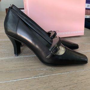 Bandolino black leather heel